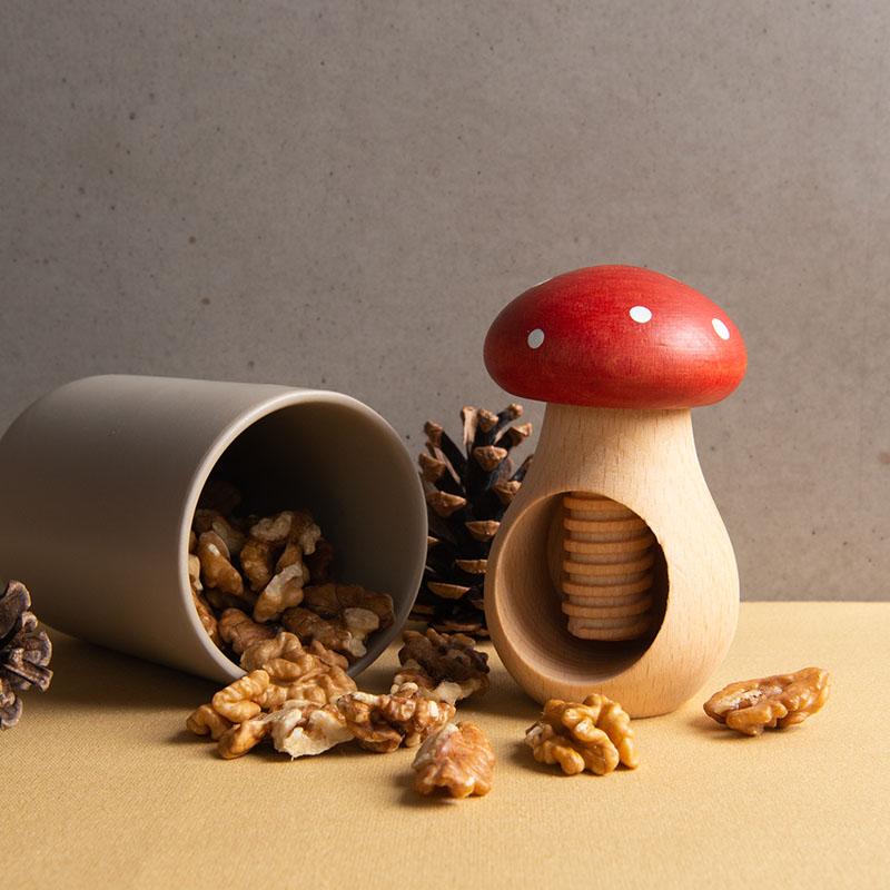 nutcracker walnuts