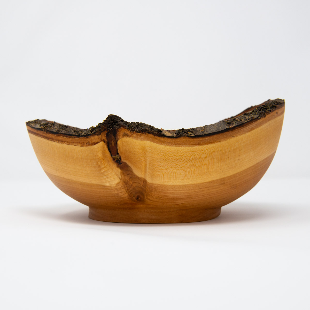 uulki wooden bowl with bark