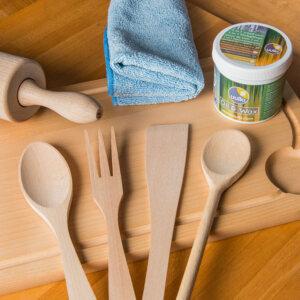 laver ustensiles de cuisine en bois