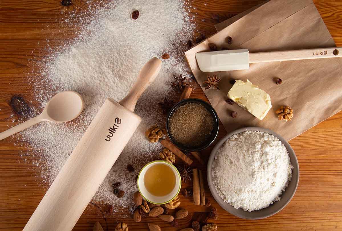 wooden pastry roller
